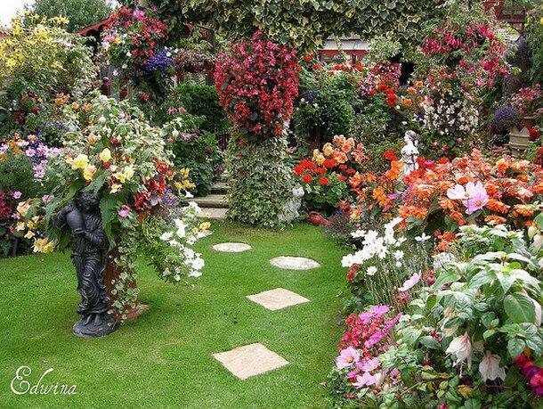 Красивый сад райский природный