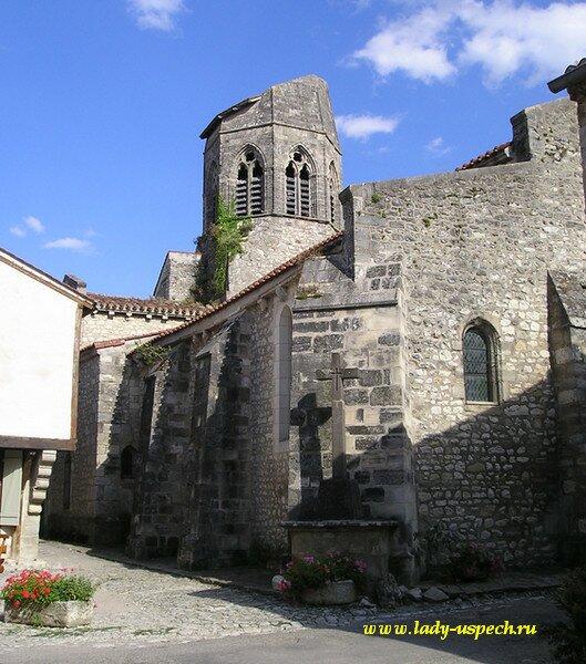 Красивая деревня Франции Charroux