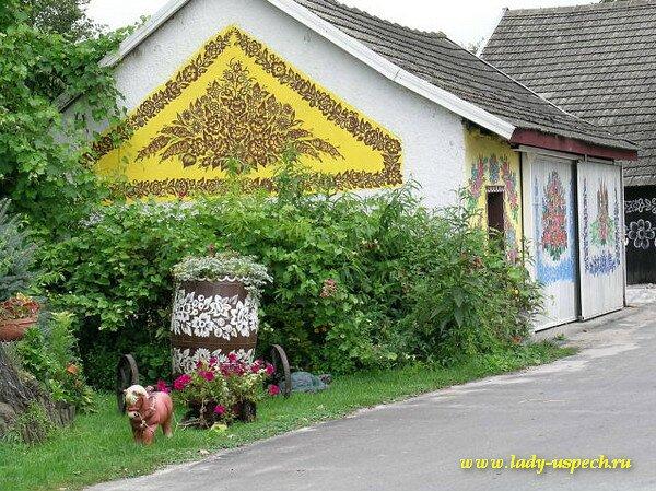 Достопримечательности Польши. Красивая расписная деревная Залипие (Zalipie)