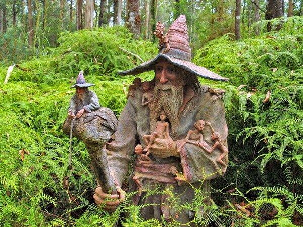 http://lady-uspech.ru/wp-content/uploads/2011/08/Sculpture-Garden-Bruno-Torfs.jpg