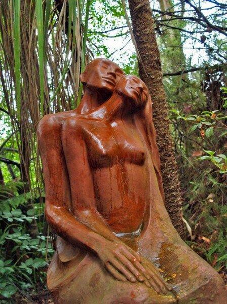 http://lady-uspech.ru/wp-content/uploads/2011/08/Sculpture-Garden-Bruno-Torfs14.jpg