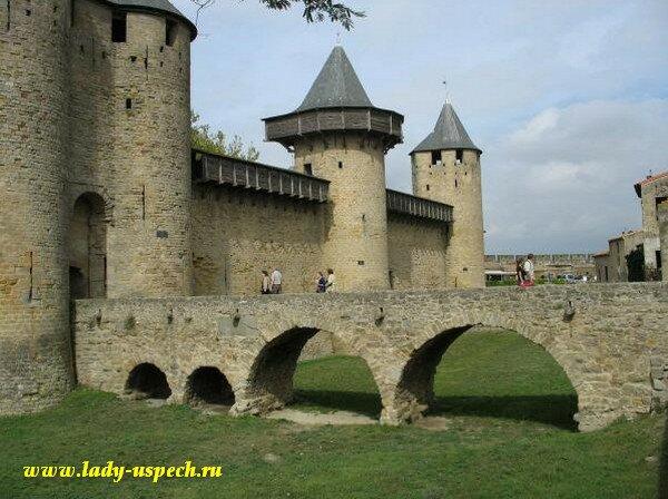Замок Каркасон