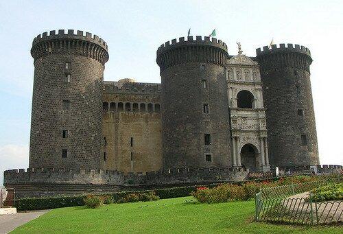 Кастель Нуово Неаполь, Италия