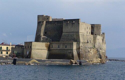 Кастель дель Ово Неаполь, Италия