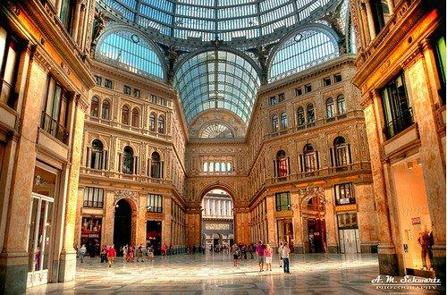 Галерея Умберто Неаполь, Италия