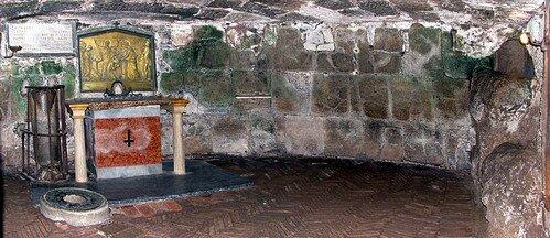 Мамертинская тюрьма (Carcere Mamertino o Tulliano) в подземном Риме