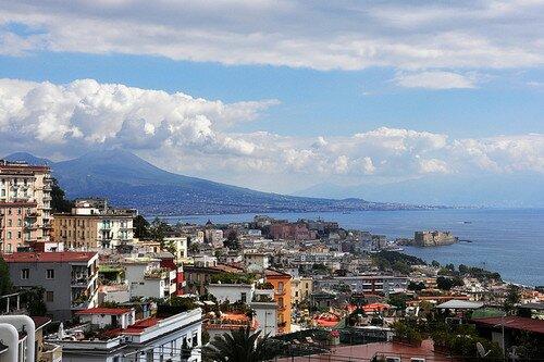 Города - Страница 6 Napoli1