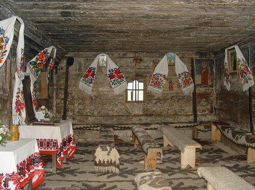 Деревянная церковь святых Архангелов в Шурдешты