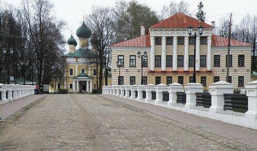 Углич вид на Кремль