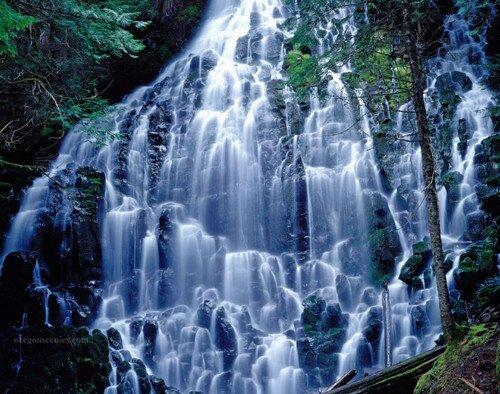 Невероятно красивый водопад Рамона