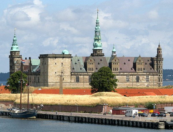 замок Гамлета Кронборг