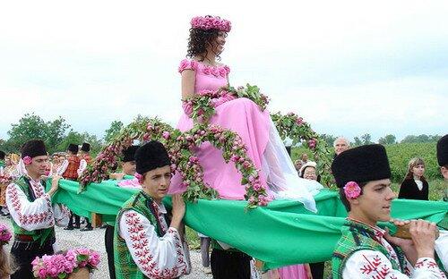 Долина Роз, Болгария. Фестиваль Роз