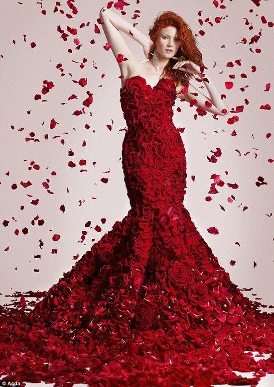 платье-мечта из живых роз