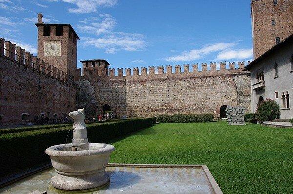 Замок Кастельвеккио (Castelvecchio), Верона Италия