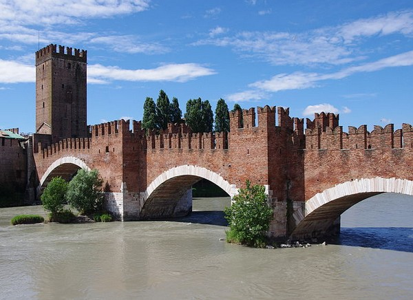 Мост Скалигеров (Ponte Scaligero), Верона Италия