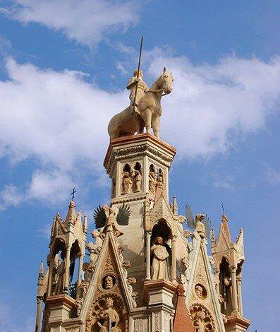 Арка Кансиньорио Santa Maria Antica, Верона