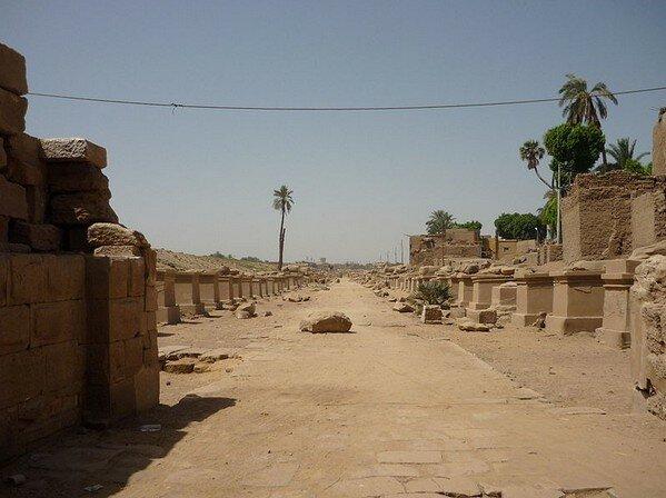 Храм Мут Карнак
