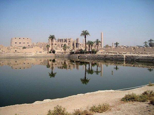 Карнакский Храм. Священное озеро